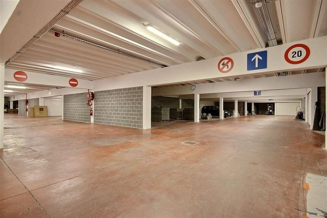 GARAGES FERMES DE STANDING AU COEUR DU CENTRE VILLE