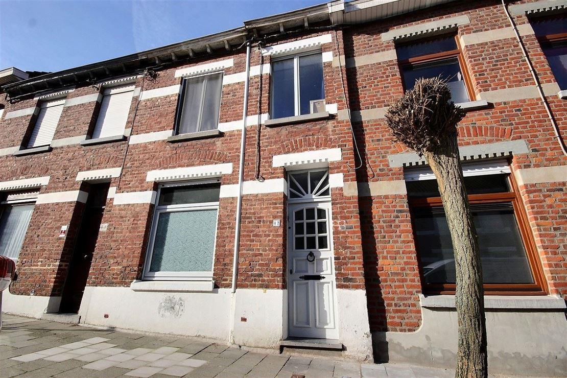Jolie habitation rénovée située dans une rue calme et proche de toutes commodités
