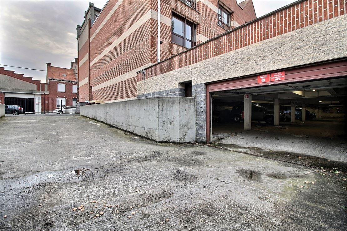 Emplacement parking à deux pas du centre ville