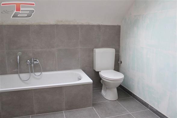 Villa neuve équipée 3  chambres + bureau avec terrasse sur terrain de 972m² dans un environnement calme et verdoyant