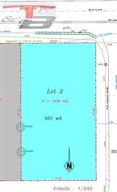Terrain à bâtir plane libre de constructeur de 1.233m² orienté plein Sud
