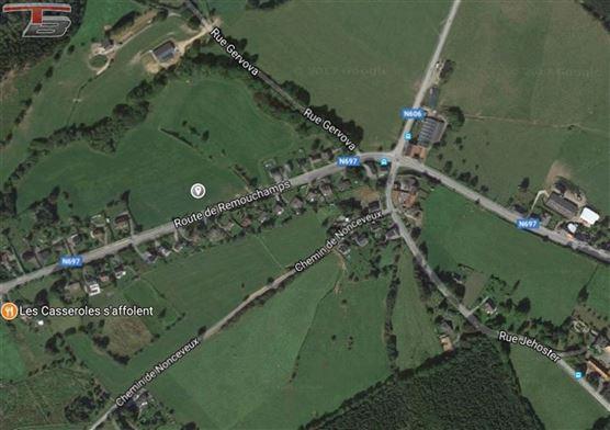 Terrain libre de constructeur plane de 1.107m² situé à proximité du centre de La Reid et de l