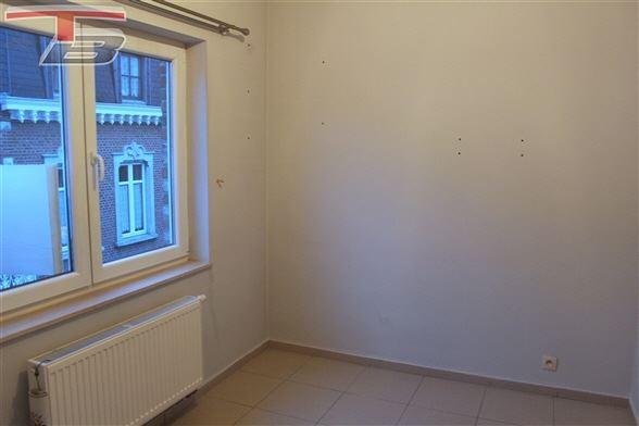 Appartement 2 chambres en bon état situé à proximité du centre-ville