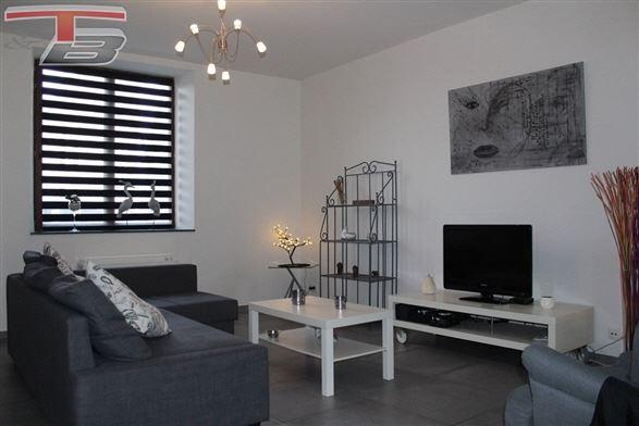 Maison de caractère 3 chambres de 154m² entièrement remise à neuf avec terrasse plein sud de 40m² idéalement située au calme, dans le centre