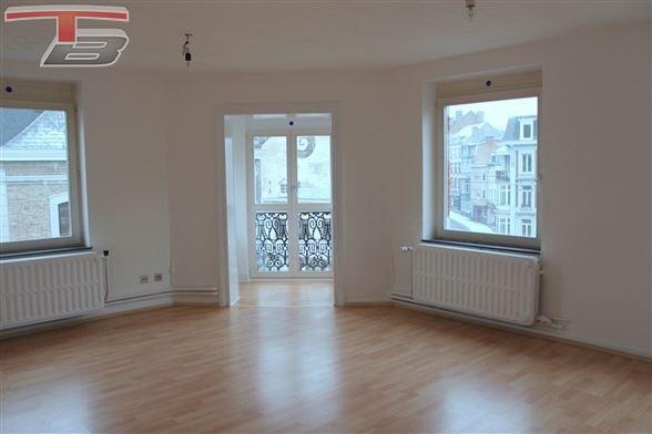 Appartement lumineux 2 chambres de 67m² idéalement situé dans le centre de Spa.