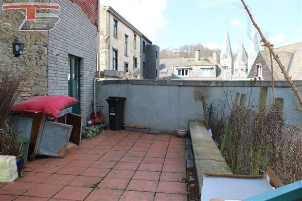 Spacieux rez-de-chaussée 2 chambres avec terrasse et parking idéalement situé à proximité des écoles et commerces