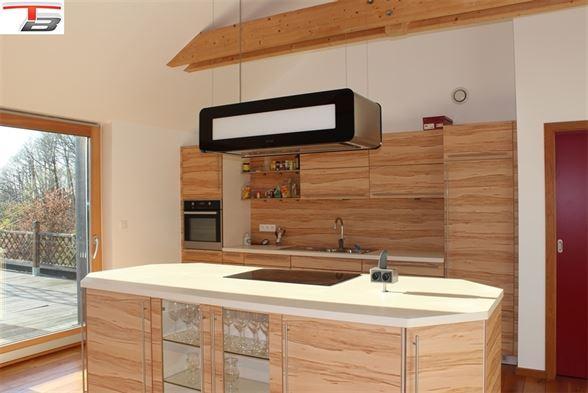 Villa contemporaine 5 chambres de 208m² idéalement située au calme sur terrain arboré de 2.322m²