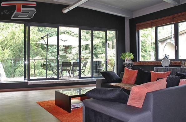 Loft contemporain basse énergie 2 chambres de 159m² avec spacieuse terrasse plein sud de 12m² surplombant la Vesdre