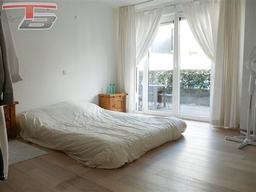 Rez-de-chaussée 1 chambre de 68m² avec spacieuse terrasse idéalement situé à proximité de toutes commodités
