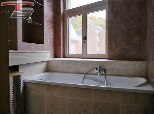 Maison-triplex 3 chambres + bureau (poss. chambre) de 96m² en excellent état située au clame et en plein coeur de Spa