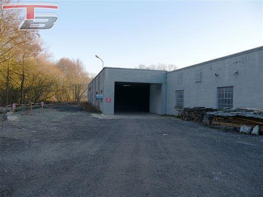 Entrepôt de 169m² avec terrain de 592m² idéalement situé à 7km de la E40