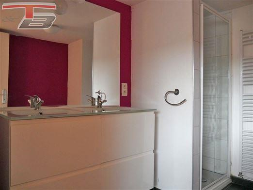 Appartement 2 chambres de 75m² en excellent état très bien situé à proximité de toutes commodités
