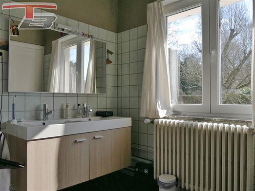 Villa  2 chambres de 105m² située sur les hauteurs de Spa, dans un cadre calme et verdoyant.