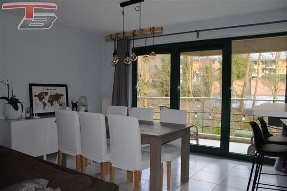 Bel appartement 2 chambres de 82m² avec terrasse exposée sud, cave privative et garage individuel situé à proximité du centre