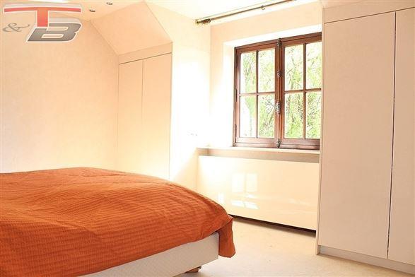 Villa de caractère 3 chambres de 193m² avec garages 4 voitures sur terrain de 3.087 m² située dans un cadre privilégié proche du centre de Blegny
