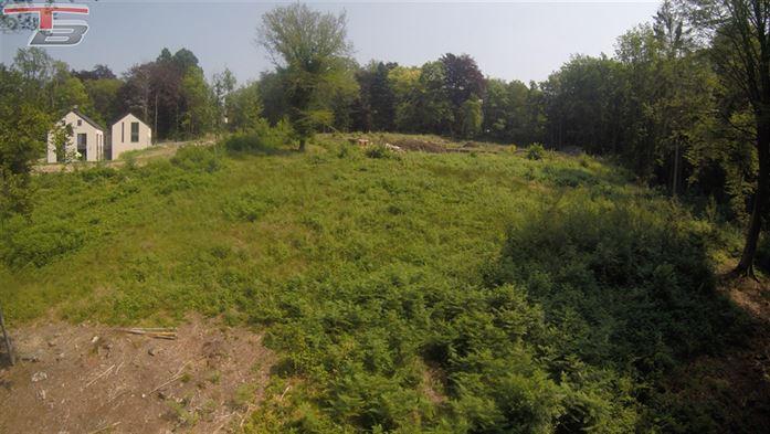 Terrain à bâtir de 1728m²  situé sur les hauteurs de Spa dans un environnement verdoyant; ce terrain exposé plein sud est idéalement situé à l