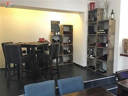 Hôtel restaurant 2* de 550m² habitables 12 ch.  situé au coeur de la vallée touristique de l