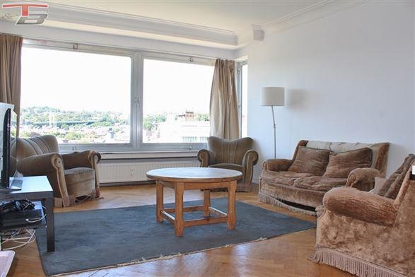 Appartement 2 chambres (92 m²) avec parking privatif et balcon sur le boulevard d