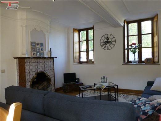 Maison 3 chambres entièrement rénovée avec jardin situé dans un environnement privilégié au calme.