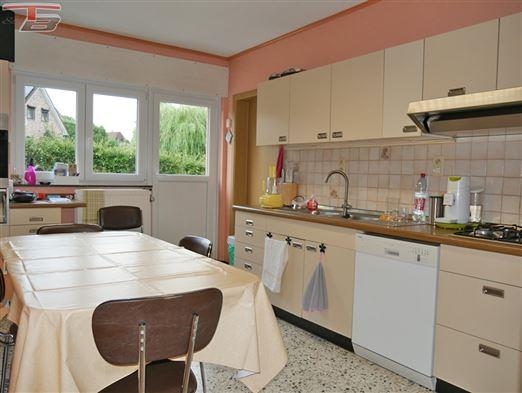 Vaste villa 4 chambres de 208m² habitables avec terrasse et annexe piscine intérieure  sur les hauteurs sud de Verviers.PEB  C  n°20190826021710.
