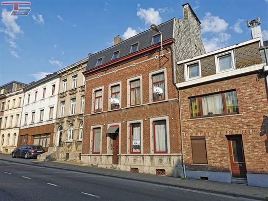 Immeuble de 278m²  idéal pour 3 appartements avec terrasse au rez et jardin, situé à l