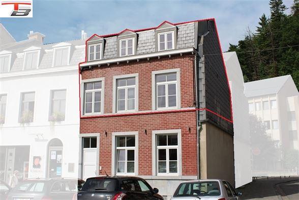 Spacieux duplex 2-3 chambres de 105m² en excellent état idéalement situé dans le centre-ville