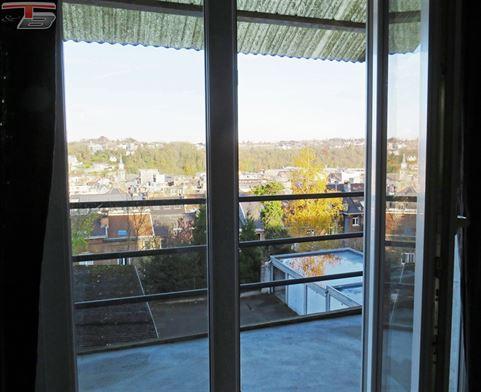 Maison de caractère 5 chambres de 180 m² avec terrasse, jardin et vue dégagée.